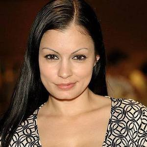 Scammer with photos of  Aria Giovanni  3u2IiW2mkEQTthfNn8Su9SxUBg8w6zXyDujcuigfBZFGusD7PoUW0Wx7FGWF-PAP